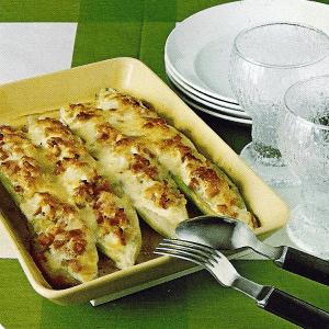 Überbackene Bohnen mit Schinken und Überbackene gefüllte Gurken