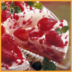 Backrezept Erdbeertorte mit Dickmilch-Creme und Erdbeerschnitten