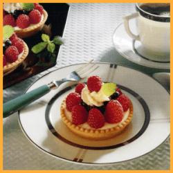 Beerentörtchen mit Joghurtcreme und Limetten-Nektarinen-Törtchen