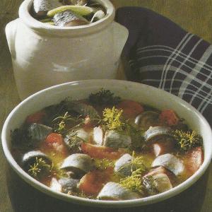 Delikater Tomatenhering und Seemannsheringe