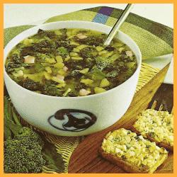 Broccolisuppe mit Käsecroutons und Sommerliche Gemüsesuppe