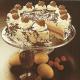 Fürst-Pückler- Eistorte und Vanille-Eis mit Krokantstückchen