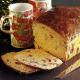 Früchtekuchen aus Frankreich und Gekochte Kümmelbrezeln