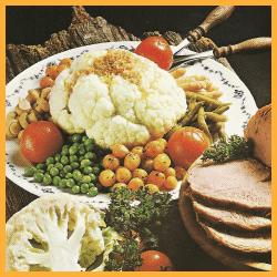 Festliche Gemüseplatte und Gourmetplatte aus Obst und Gemüse