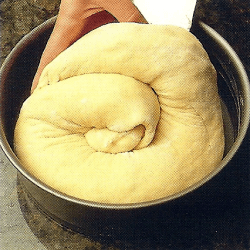 Hefekuchen Kärntner Reindling