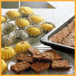 Kakao-Ecken, Kirschförmchen und Orangen-Schnitten