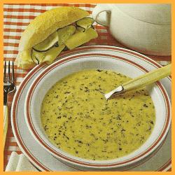 Maissuppe und frische Gemüse- Hackfleischsuppe