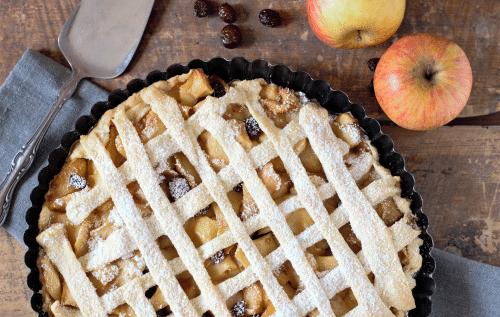 Mandelbirnen oder Mandeläpfel und Apfelkuchen