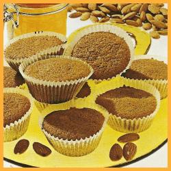 Braune Muffins und frische Bayerische Kirchweih-Nudeln