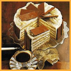 Schokoladenkranz mit Walnüssen und Nuß- Baisertorte