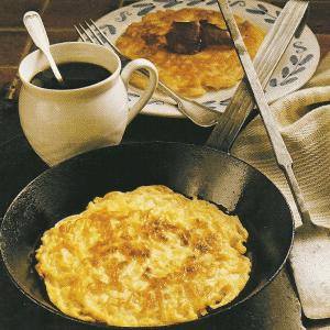 Käseomelett mit Schinken und herzhaften Pfannenpickert sowie süße Eierkuchenpyramide