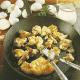 Pfifferlinge mit Eierhaber und Eier in Kräuterquarksoße