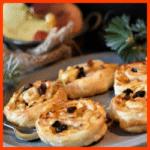 Preiselbeerschnecken und Hefekuchen mit Apfelfüllung