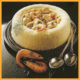Hühnerfrikassee im Reisrand und Hühnchen mit Reis und Currysoße