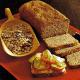 Brot mit Roggenflocken und Graham - Mischbrot
