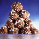 Schokoladen-Haferflocken-Kugeln und Haselnußtörtchen