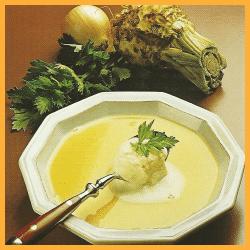 Sellerie-Cremesuppe und frische Erntesuppe