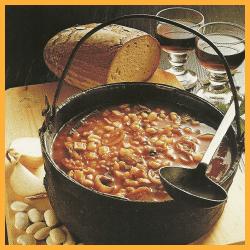 Deftige Serbische Bohnensuppe und leckeres Ungarisches Reisfleisch