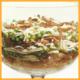 Spaghetti -Zungensalat und Salat mit Omelett