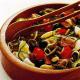 Thunfisch-Gemüsesalat und pikanter Räucherfischsalat