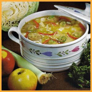 Weißkohlsuppe mit Äpfeln und Reissuppe mit Leberstreifen