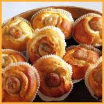 Hefe-Marzipan-Törtchen und Süßes Korinthen-Quark-Brot