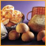 Hefeteig aus dem Kühlschrank und Frühstücksbrötchen