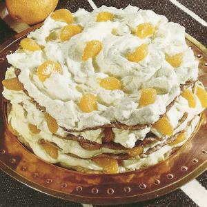 Apfelsinen-Cremespeise und Eierkuchentorte